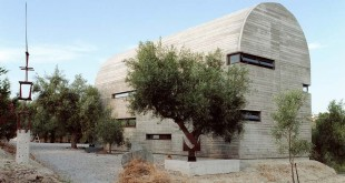 Art-Warehouse-in-Greece-_-A31-Architecture-01cover1