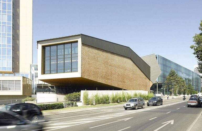 WIPOOMPI Conference hall By Behnisch Architekten-Sheet1