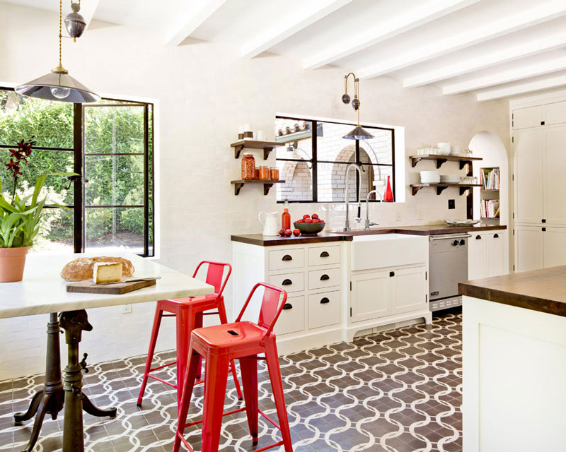 #8Patterned tiles on kitchen floors