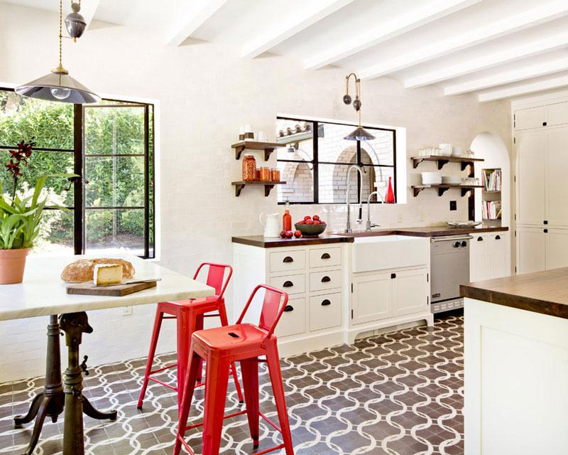 #8Patterned tiles on kitchen floors