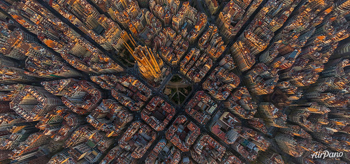 20 Great Cities Like You've Probably Never Seen Them Before - Sagrada Familia, Barcelona, Spain