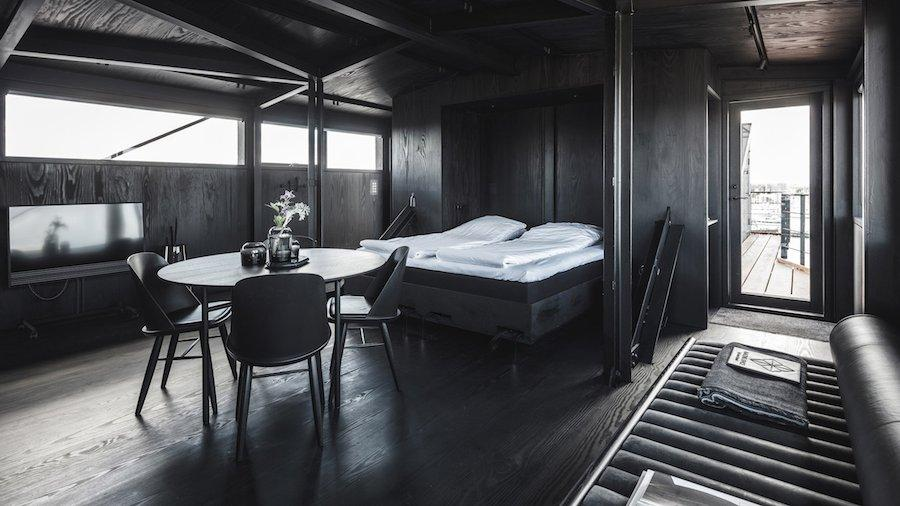 Old Port Crane Changed Into A Luxury Apartment For Fans Of Black Interiors - Sheet10