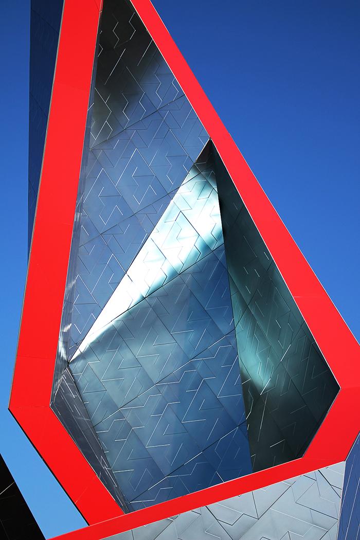 "Transfer ""Crown"" A New Installation Of Daniel Libeskind - Sheet2"
