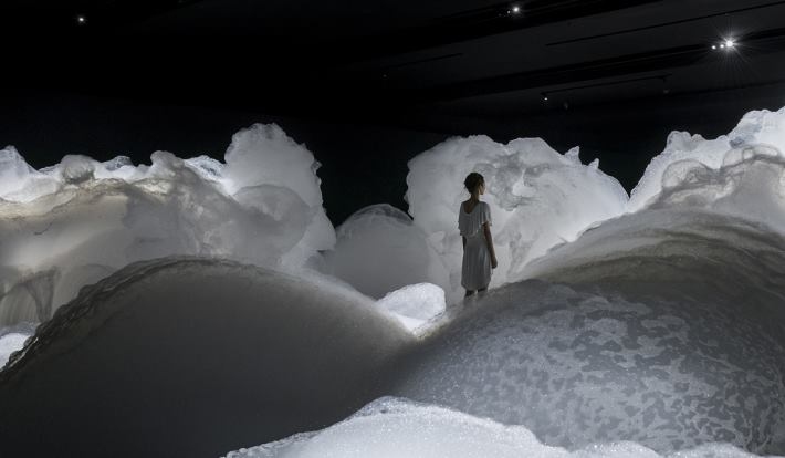 Kohei Nawa's Foam Installation Created A Cloud-like Landscape of Soapy Bubbles - Sheet6