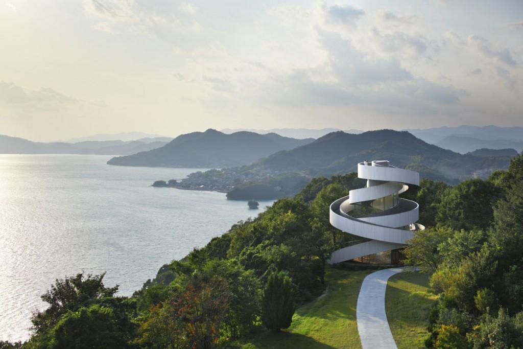 Ribbon-Chapel-by-Hiroshi-Nakamura-and-NAP-Architects-Photo-by-Koji-Fujii-and-Nacasa-Partners-Inc-z