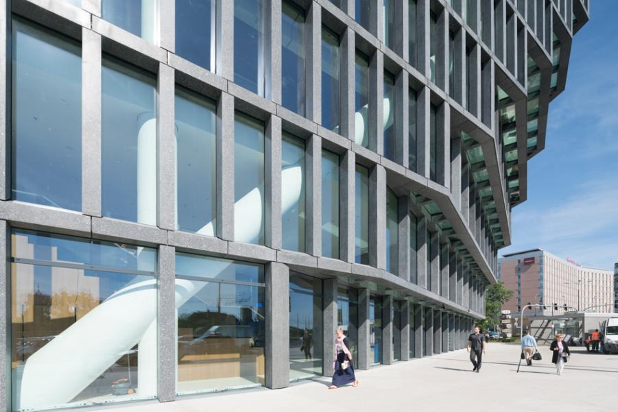 An Office Building that looks radically different from every side - Sheet10