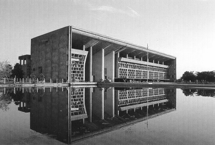 A journey of 100 years of Architecture in India | Part 02 - 1956 Hight Court Chandigarh