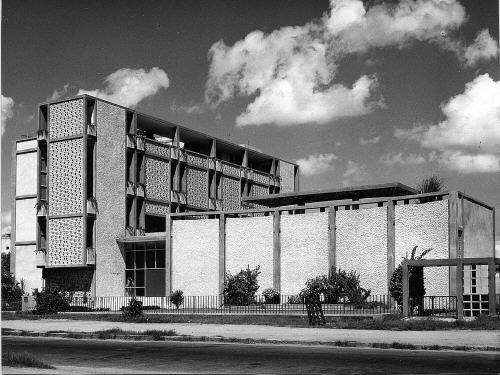 A journey of 100 years of Architecture in India | Part 02 - 1957 Triveni Kala Sangam, New Delhi