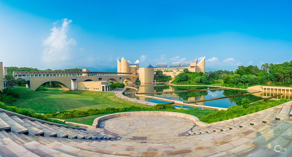 17 Offbeat Places in India Every Architect Must Visit - Virasat-e-Khalsa by Moshe Safdie