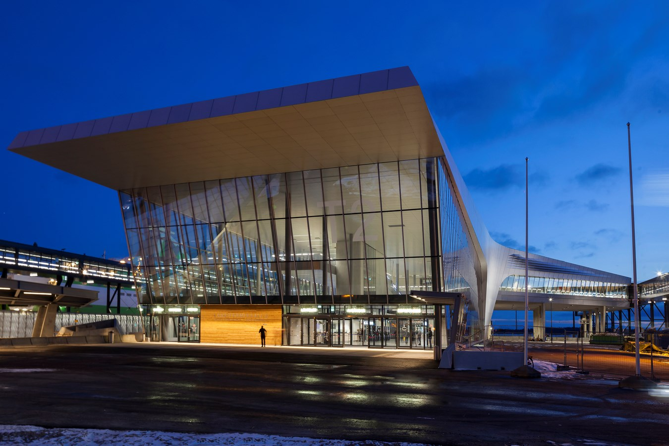 Best of 2017 - Transport Hubs Check out all the Projects here! - West Terminal 2 | PES-Architects