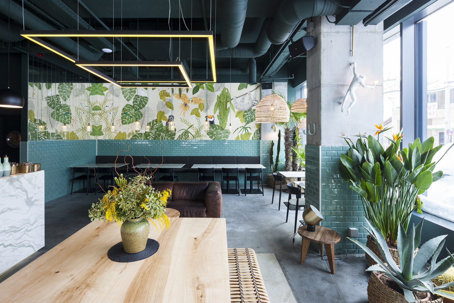 10 Different Projects That Feature the Color Green! - Kane World Food Studio / Bogdan Ciocodeică