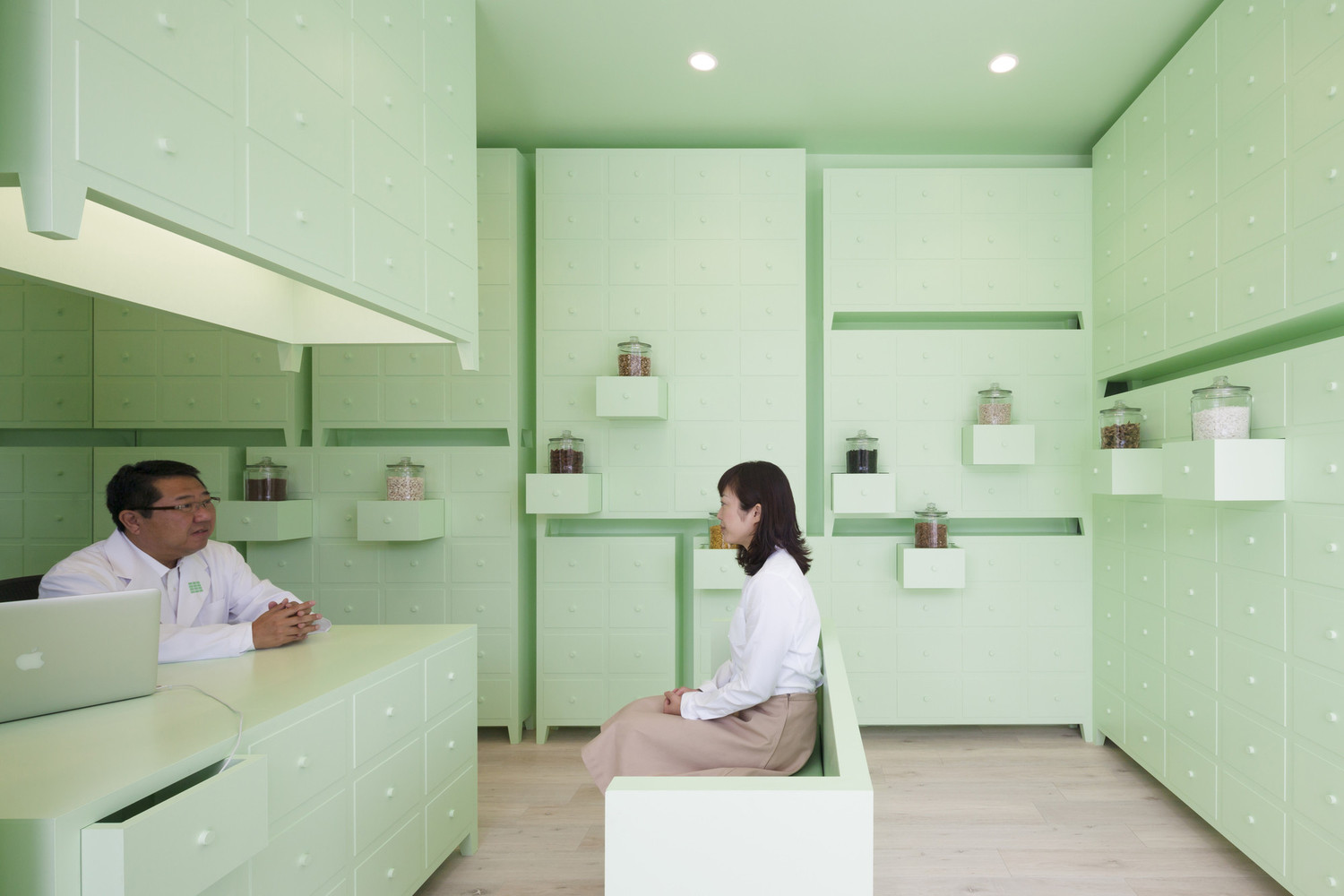 10 Different Projects That Feature the Color Green! - SUMIYOSHIDO kampo lounge / id inc.