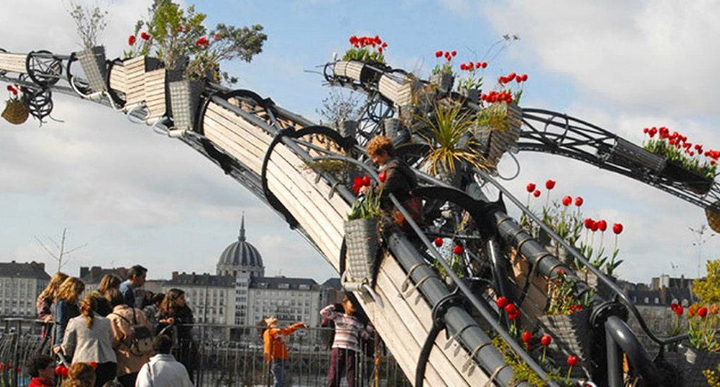 This French art collective is building the world's largest hanging garden - Sheet3