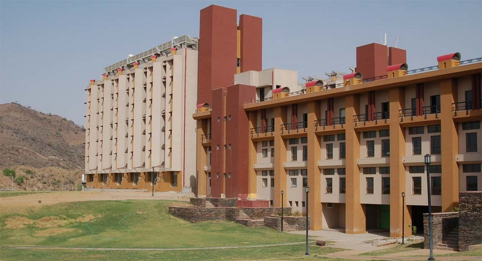 NIIT University, Neemrana by Space Design Consultants   Top Architects in India
