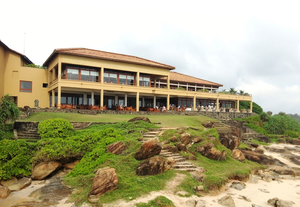 10 Projects by Geoffrey Bawa that made him the pioneer of Tropical Modernism - Lighthouse Hotel, Sri Lanka