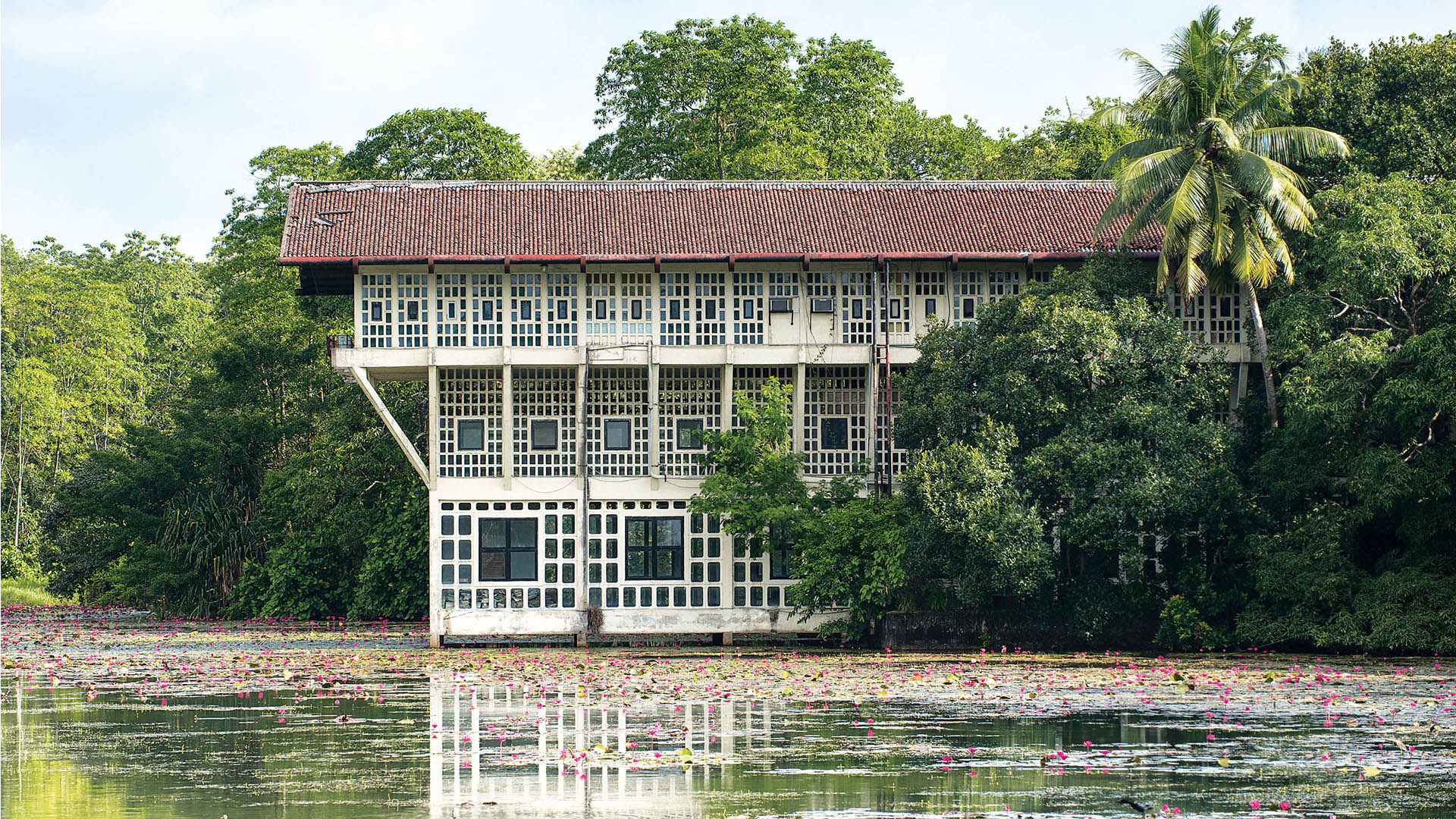 10 Projects by Geoffrey Bawa that made him the pioneer of Tropical Modernism - Steel Corporation Offices and Housing, Sri Lanka