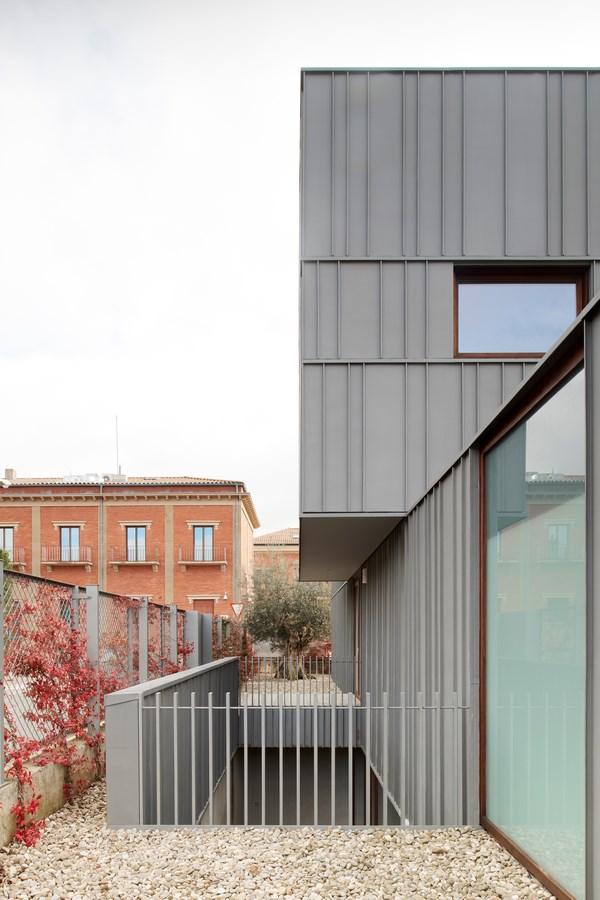 B4 House By Vaillo Irigaray Architects