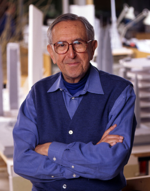 50 Famous Architects in the World of all Time - César Pelli