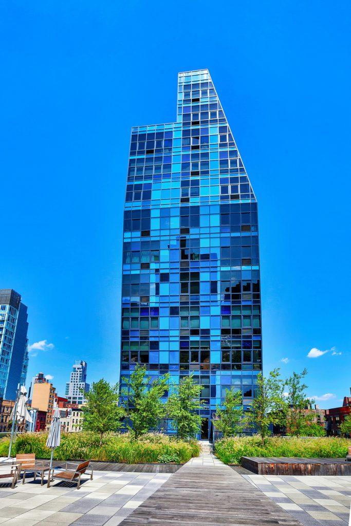 Bernard Tschumi - Blue Condominium, New York