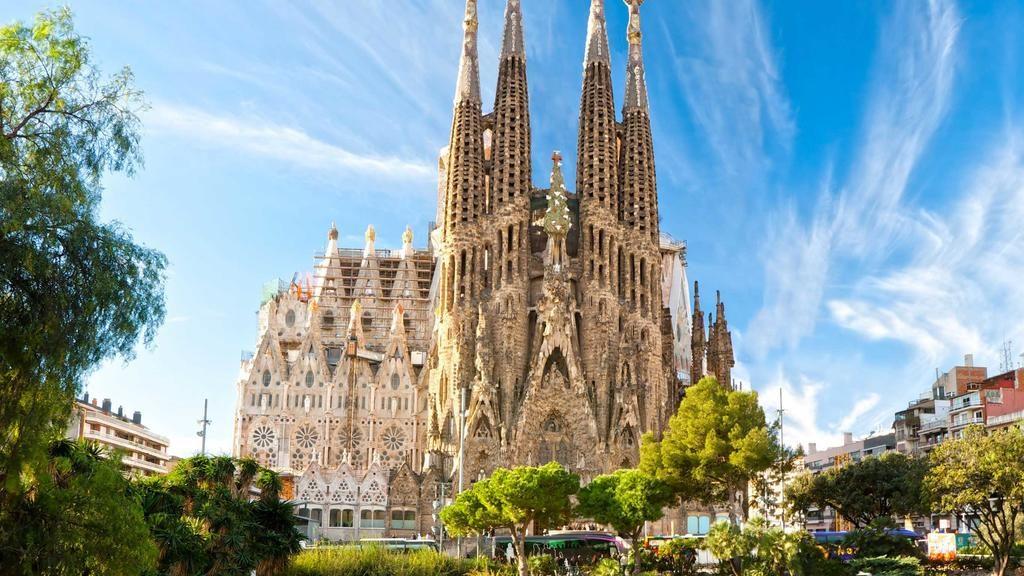 Antoni Gaudi - Sagrada Família, Spain