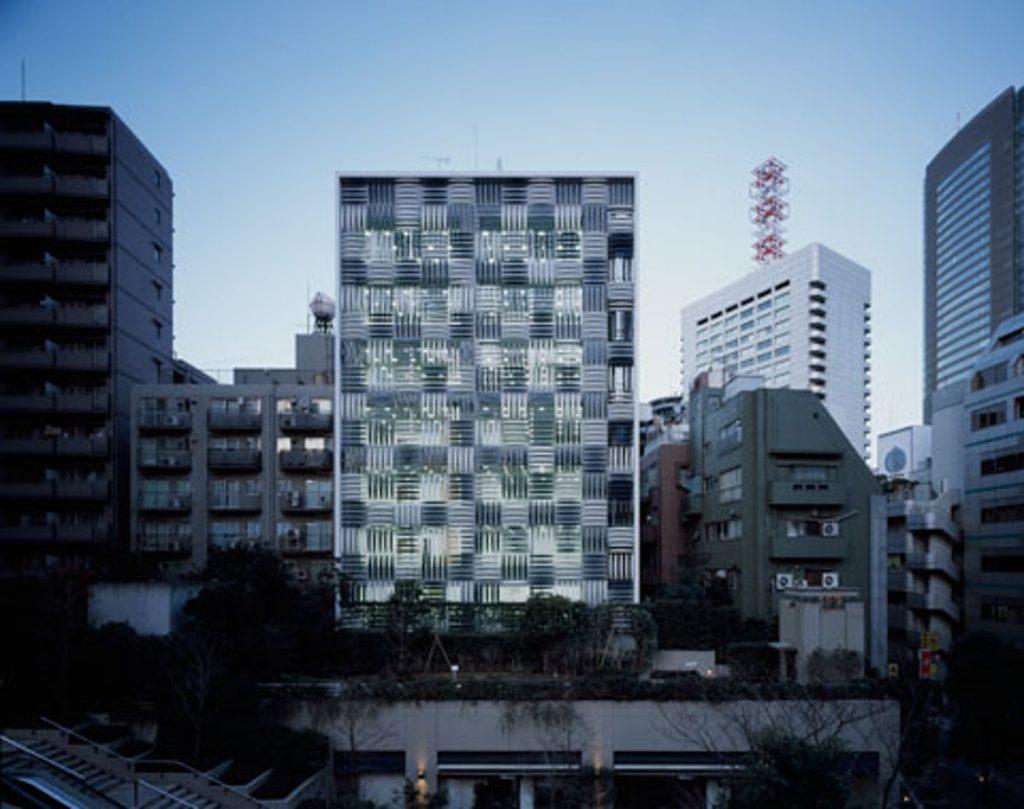 Akasaka Phoenix by Atsushi Kitagawara Architects © Archtizer