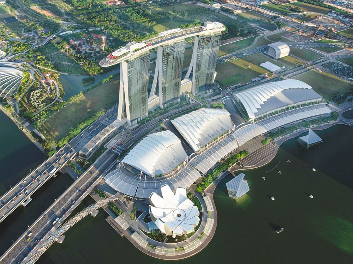 20 Iconic Projects by Moshe Safdie every Architect should know about - The Marina Bay Singapore, 2011