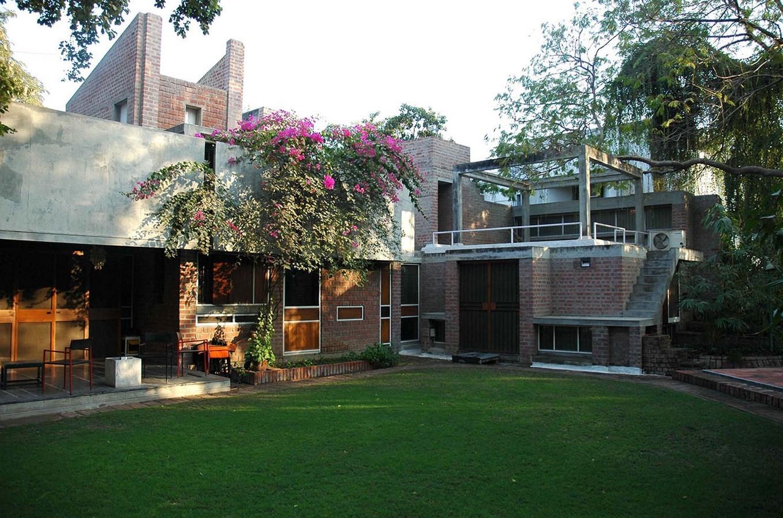 15 Works of B. V. Doshi Every Architect should visit - Kamala House, India
