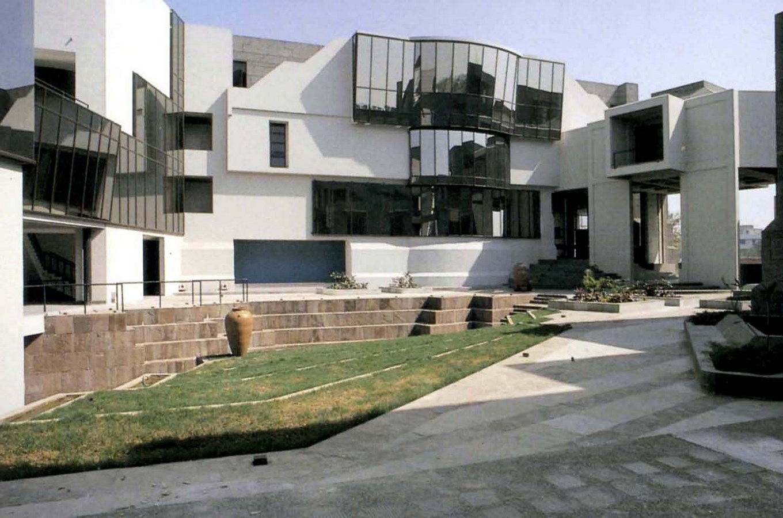 15 Works of B. V. Doshi Every Architect should visit - National Institute of Fashion Technology, India