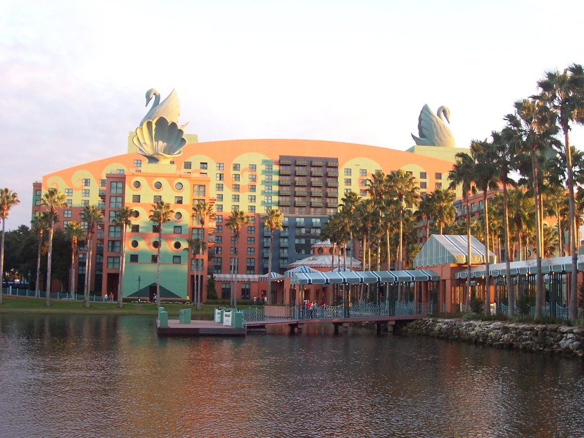 15 Most Important Projects by Michael Graves - Walt Disney World Swan, USA