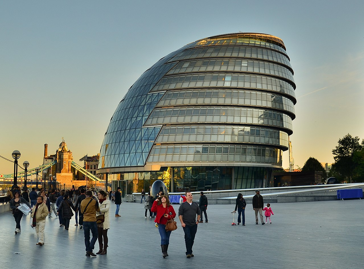 25 Projects by Norman Foster that made him a leader in the Architecture Industry - City Hall, London