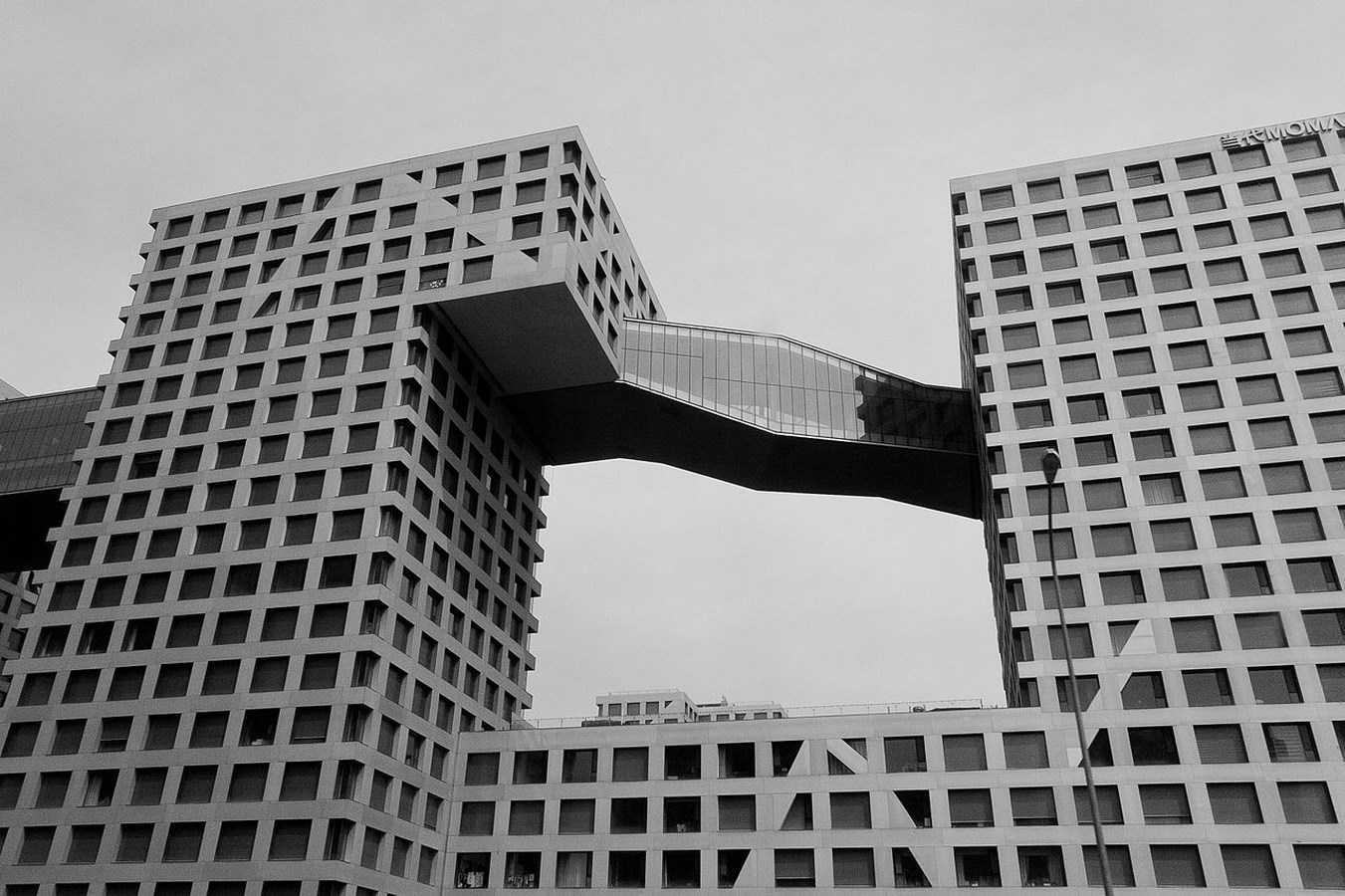 25 Projects by Steven Holl that mark his shift from Typology to Phenomenology - Linked Hybrid, China
