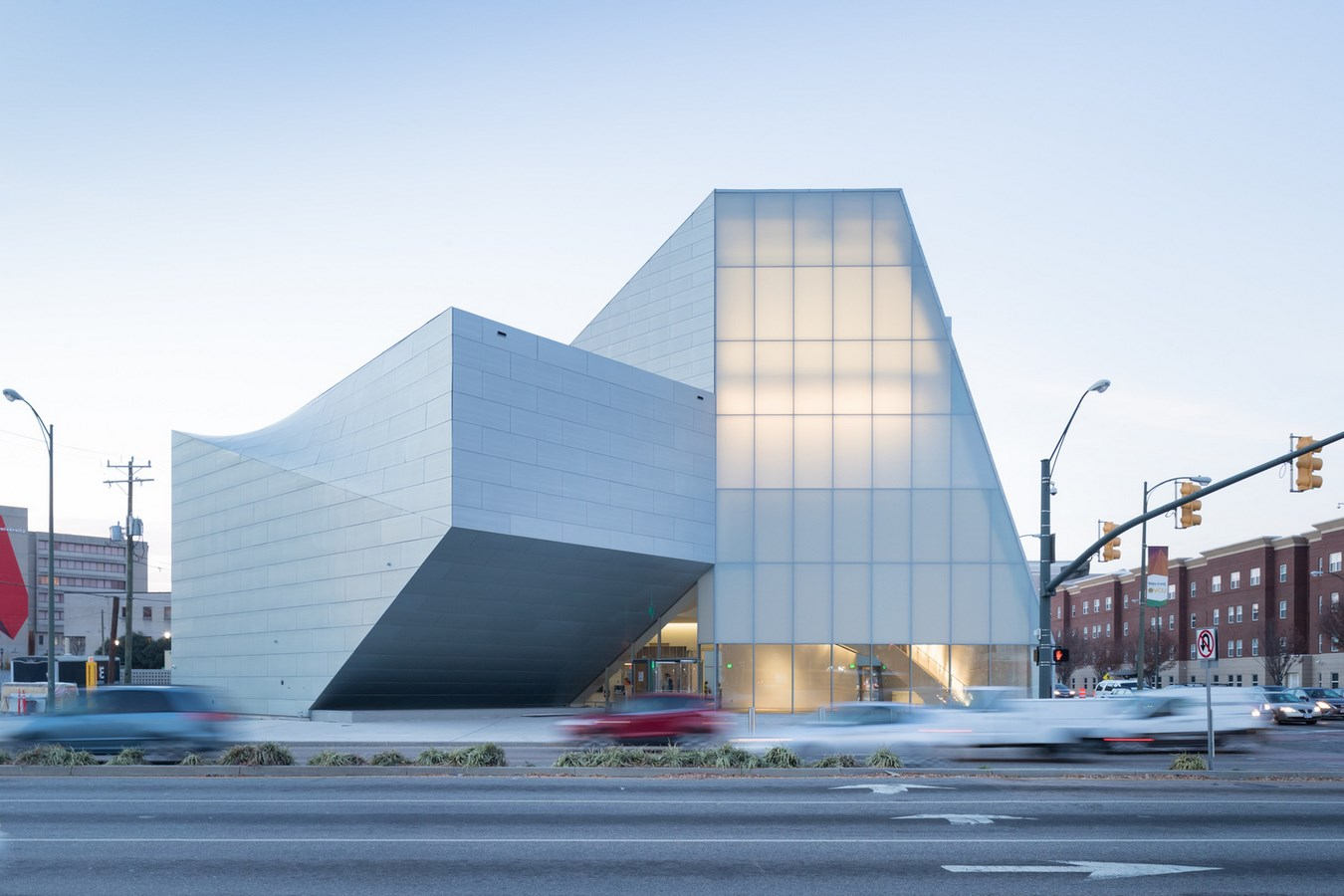 25 Projects by Steven Holl that mark his shift from Typology to Phenomenology - Institute for contemporary art, VCU