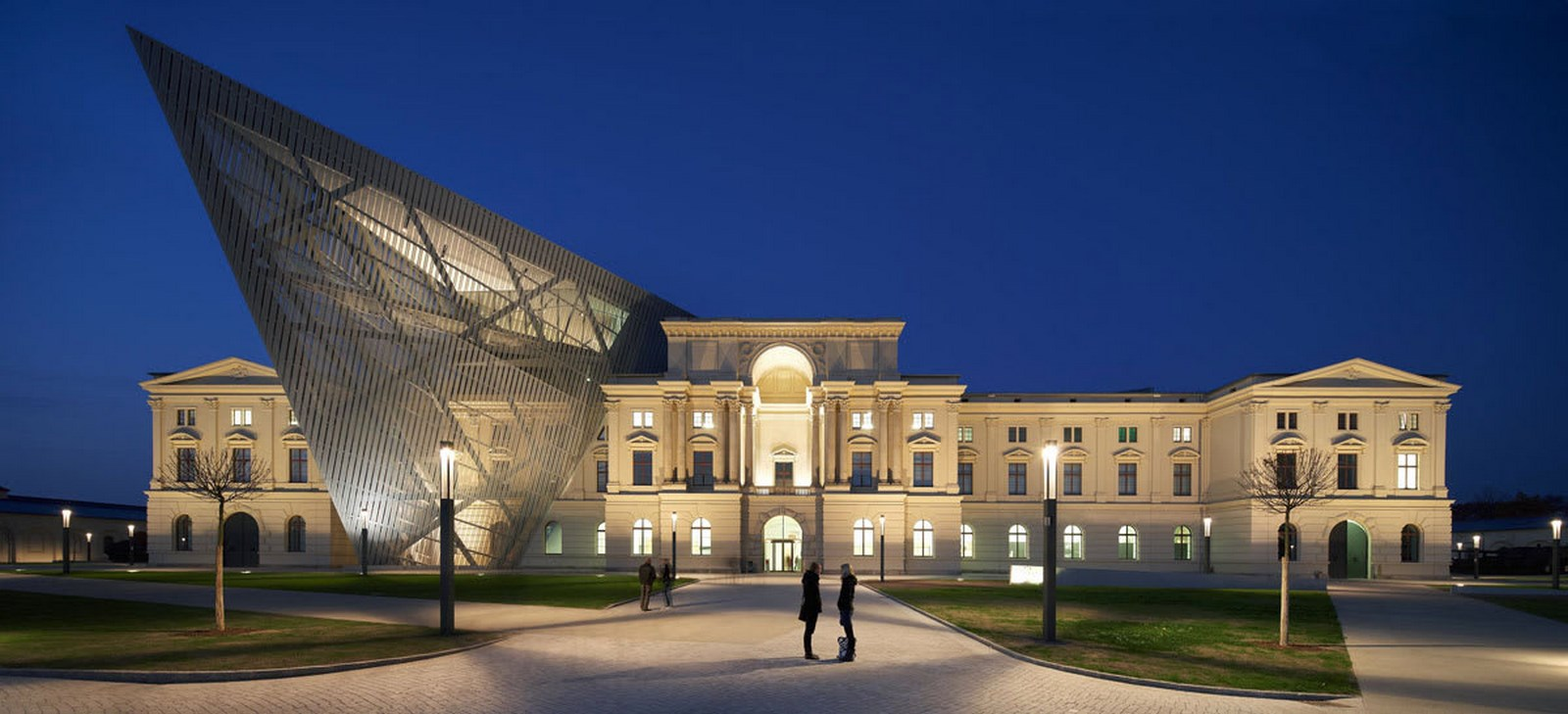 15 Iconic Projects by Daniel Libeskind Every Architect must visit! - Museum of Military History