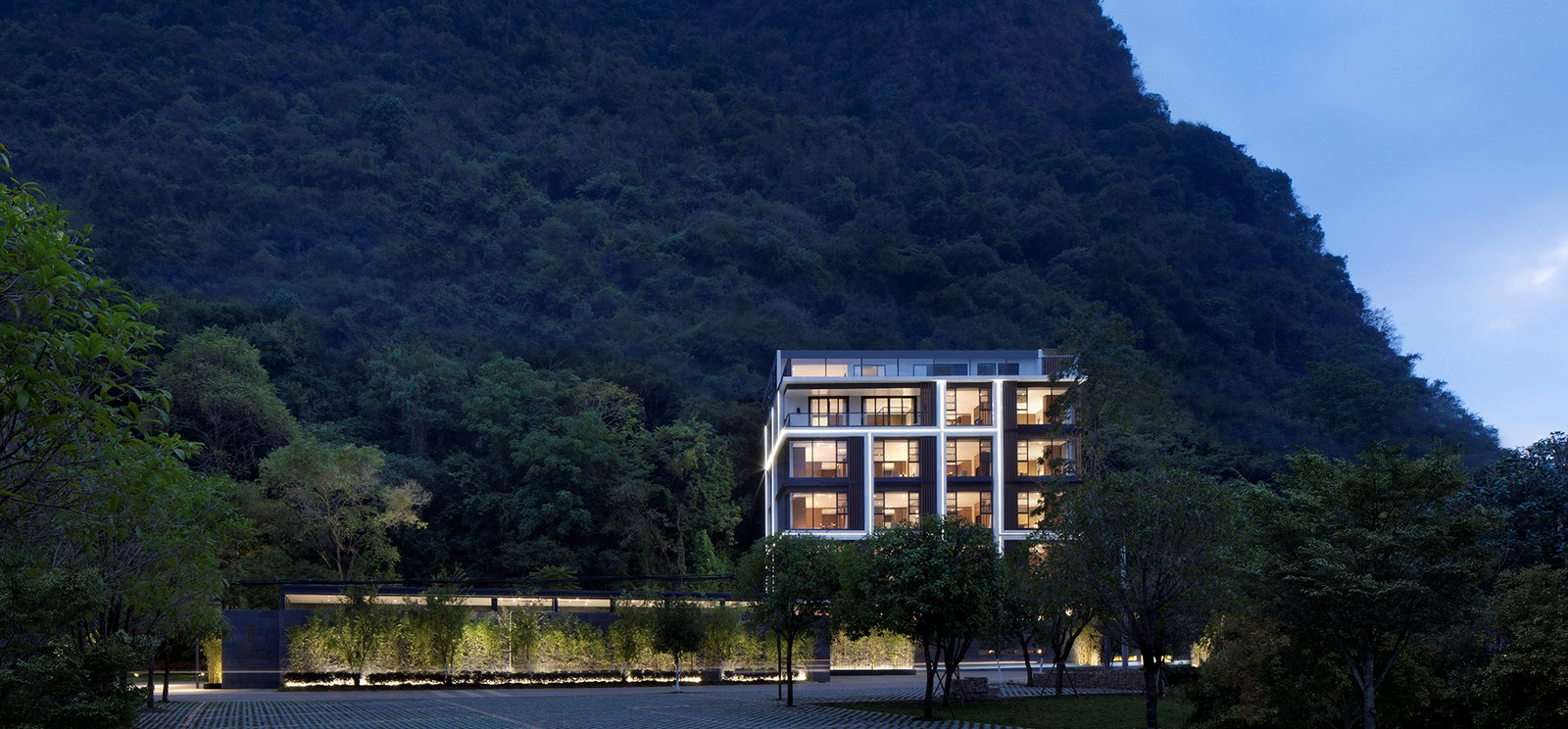 Blossom Dreams Hotel (Jima) By Co-Direction Design - Sheet10