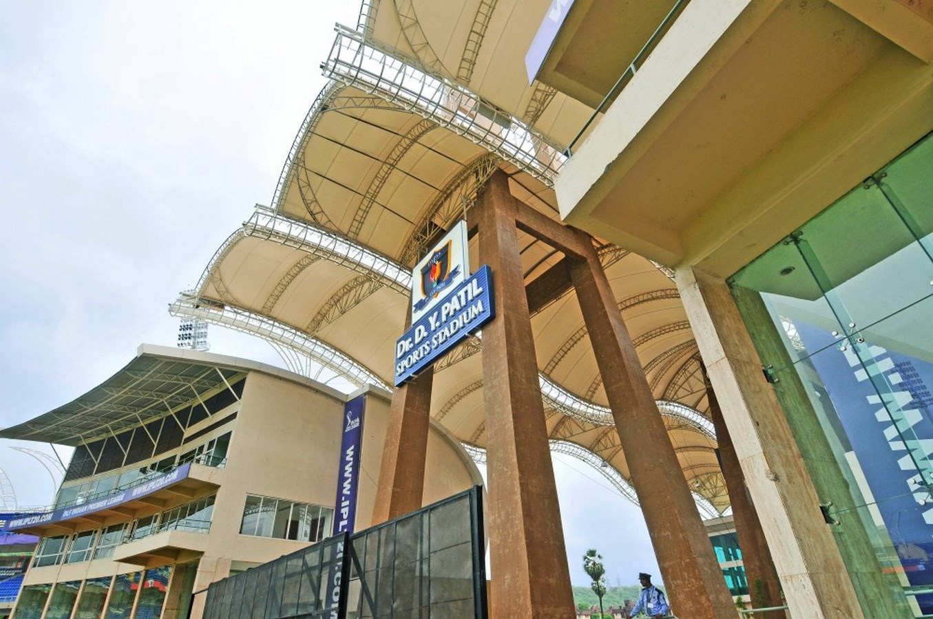 20 Iconic Projects By Hafeez Contractor - D Y Patil Sports Stadium