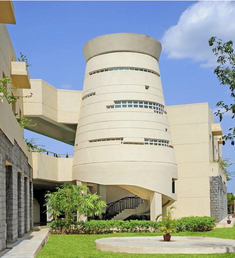 20 Iconic Projects By Hafeez Contractor - Mahindra World School, Tamil Nadu