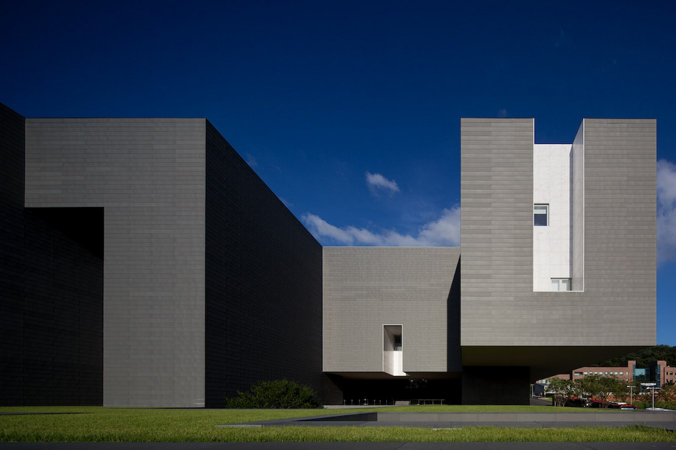 15 Projects by Alvaro Siza every Architect Must Visit! - Amore Pacific Research & Design Center