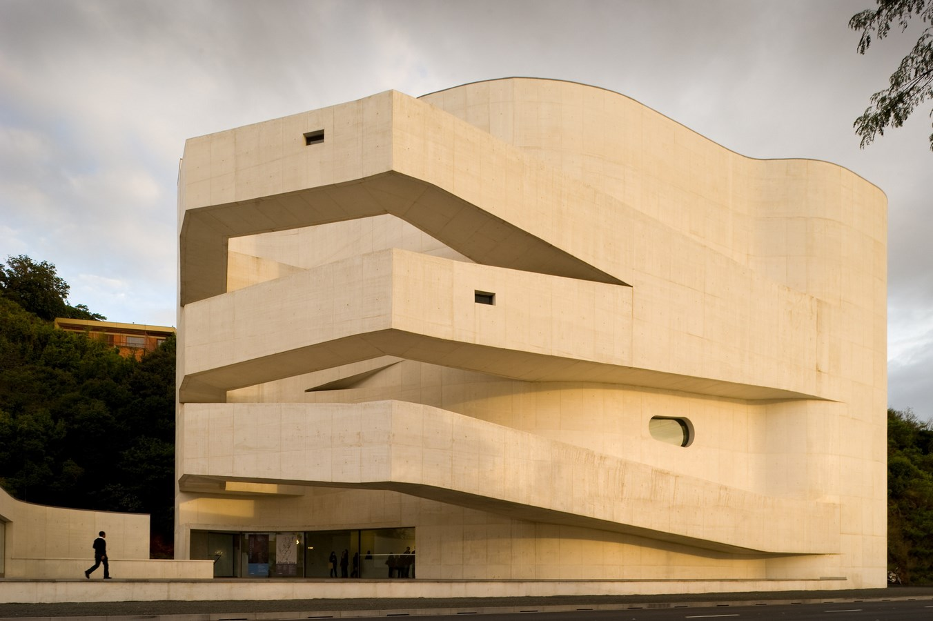 15 Projects by Alvaro Siza every Architect Must Visit! - Iberê Camargo Foundation
