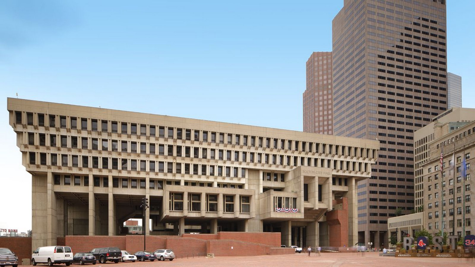25 Most Iconic Structures In Boston - OSTON CITY HALL - Sheet2