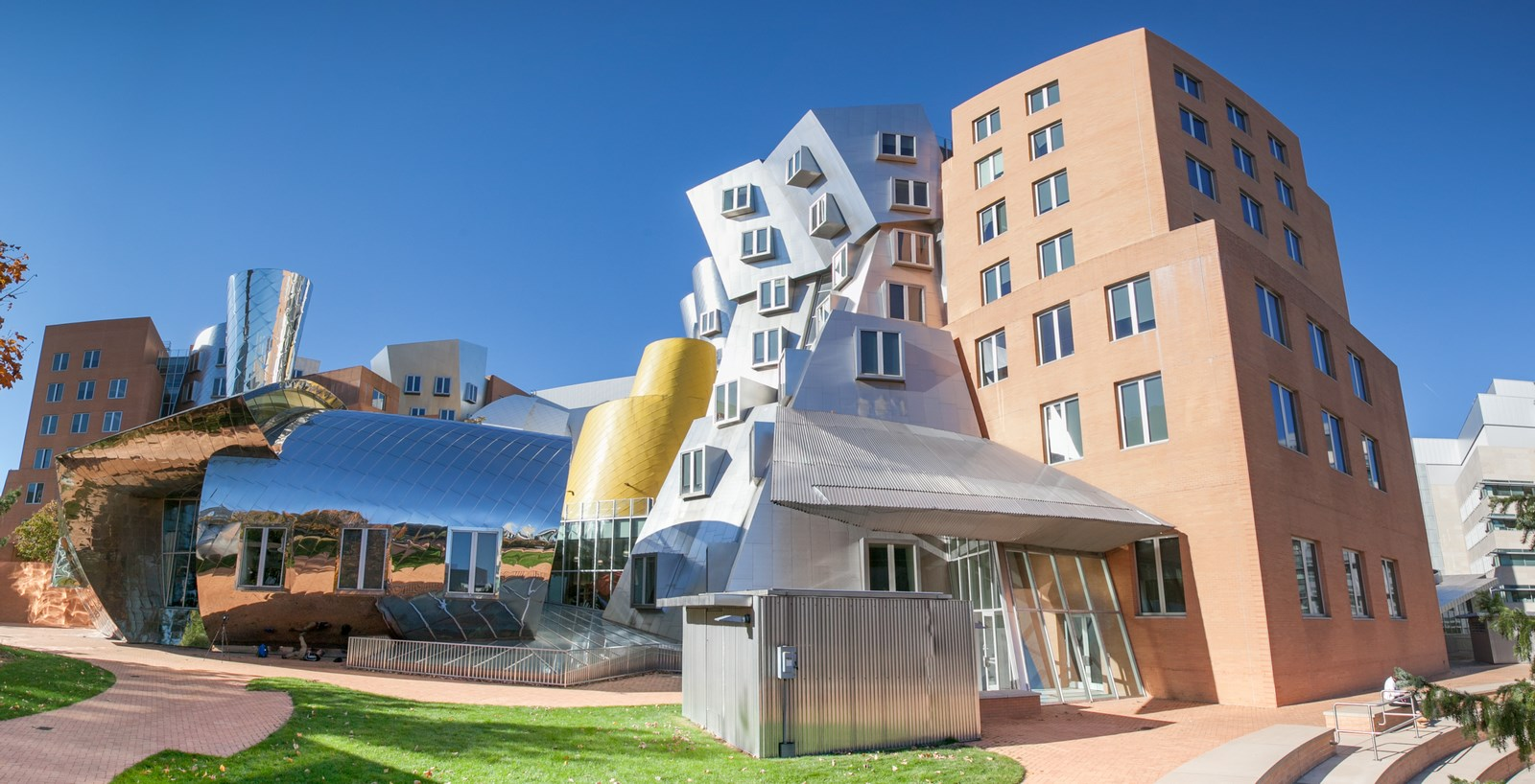 25 Most Iconic Structures In Boston - MIT STATA CENTER - Sheet2