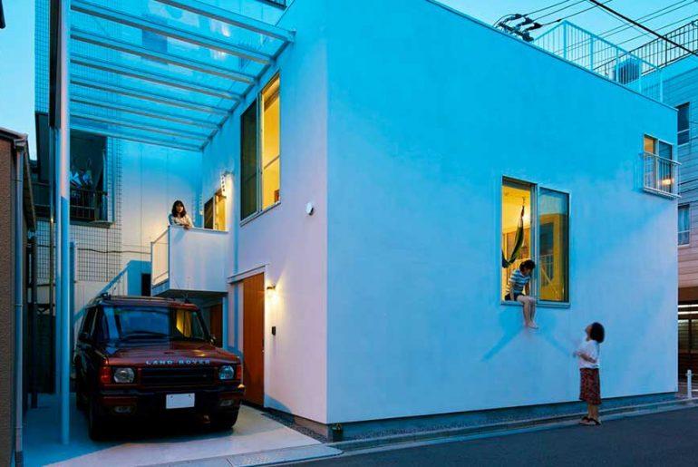 BALCONY HOUSE By Takeshi Hosaka architects