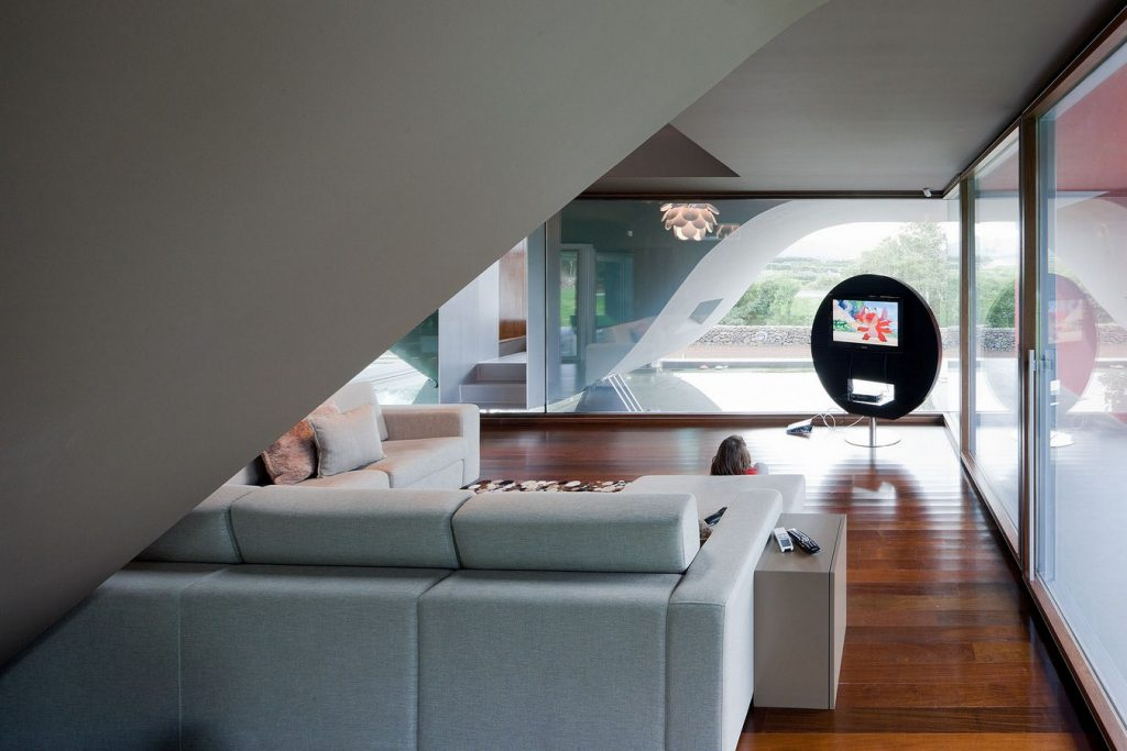 The House of the Flight of Birds By Bernardo Rodrigues Arquitecto - Sheet2