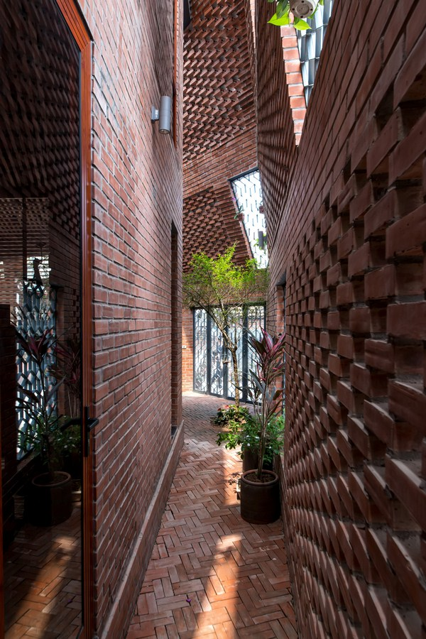 Brick Cave By H&P Architects - Sheet4