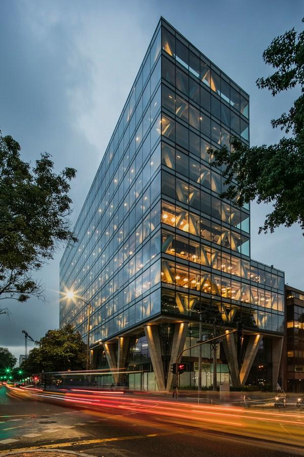 8111 By taller de arquitectura de bogotá - Sheet2