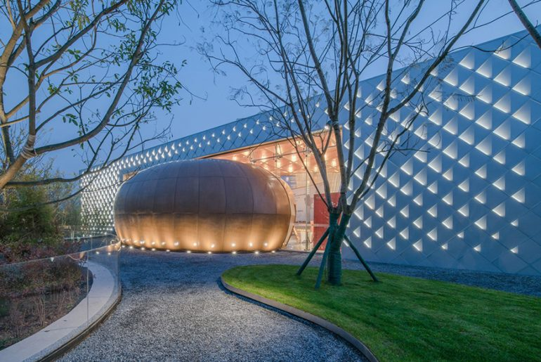 YULIN Artistic Center By Challenge Design