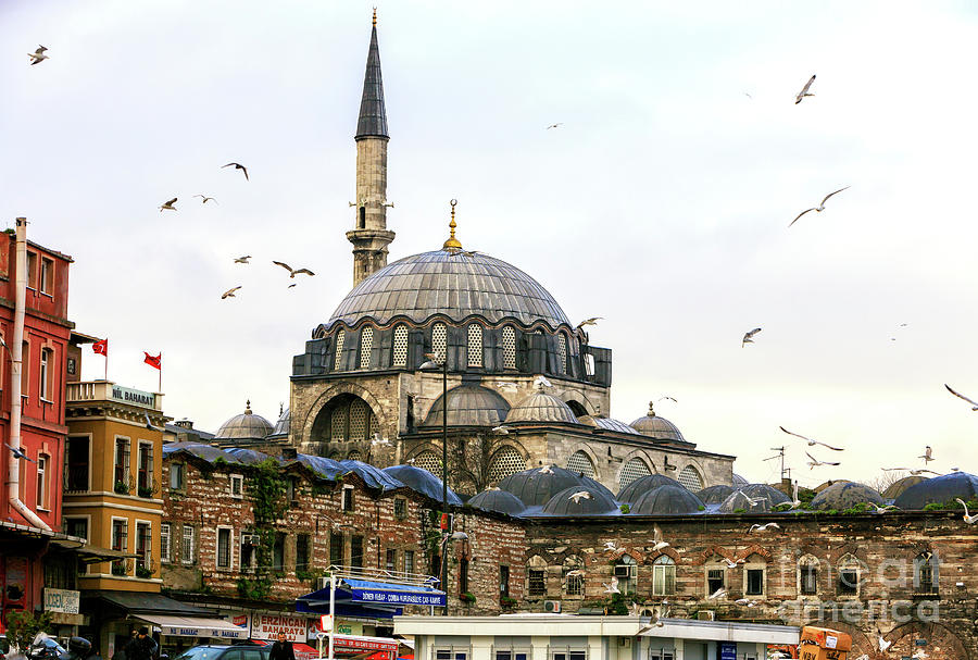 15 Places Architects must visit in Istanbul 12. RUSTEM PASHA MOSQUE - sheet2