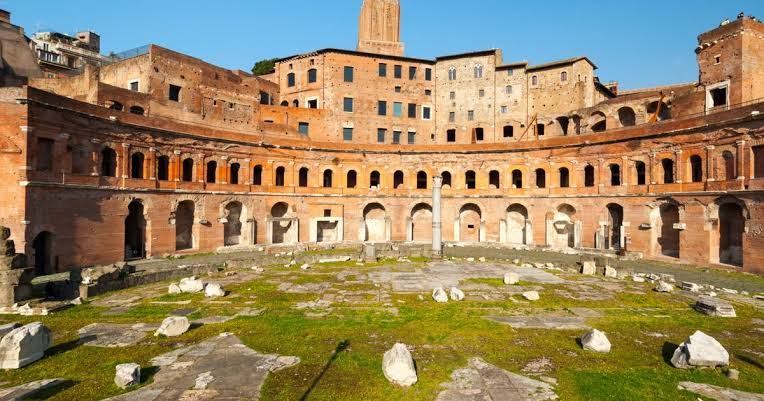 15 PLACES IN ROME IMAGE 12- TRAJAN MARKET