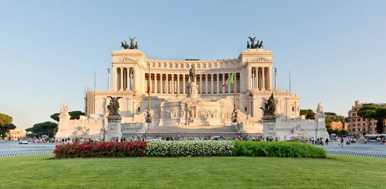 15 PLACES IN ROME IMAGE 14- ALTAR OF THE FATHERLAND