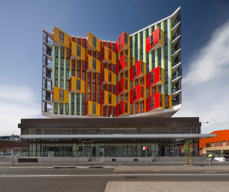 20 KINETIC FACADES- 11. VIKING BY CROWN
