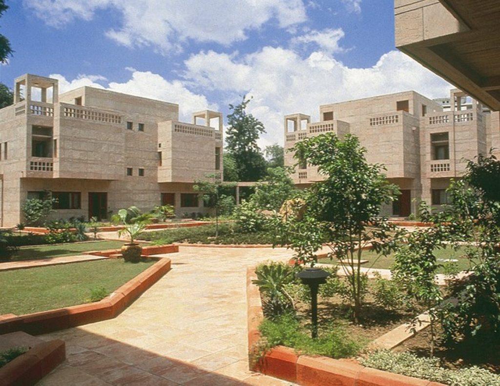 British High Commission Housing by Raj Rewal - 1